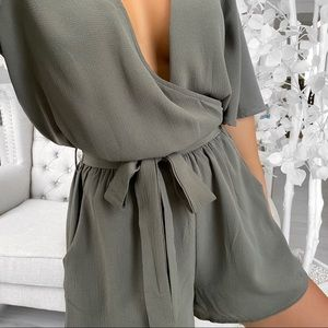 ekattire Pants & Jumpsuits - SICILY— in Olive Green